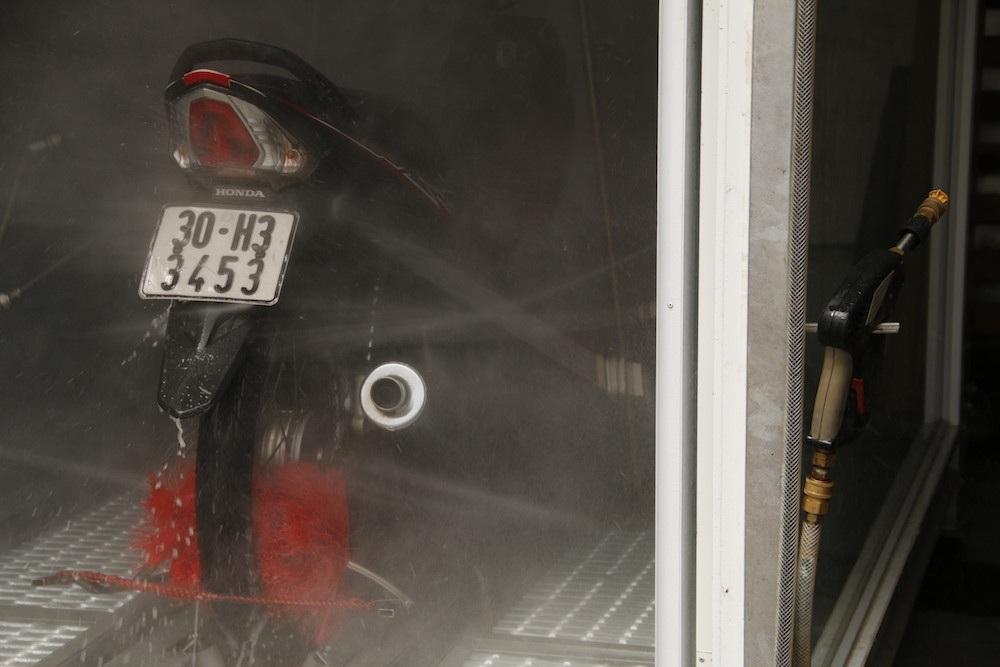 Trong thời gian tới anh Thiện sẽ tiếp tục hoàn thiện chiếc máy rửa xe tự động này hơn nữa.