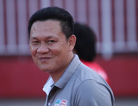 HLV Nguyễn Quốc Tuấn hạnh phúc với chiến thắng của HA Gia Lai (ảnh: Trọng Vũ)