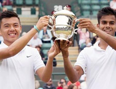 Ít người ngờ rằng Lý Hoàng Nam (trái) lại vô địch đôi nam trẻ Wimbledon