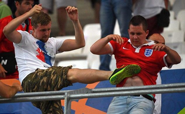 Đội tuyển Nga có thể bị trừ điểm sau vụ bạo động ở sân Velodrome - 5