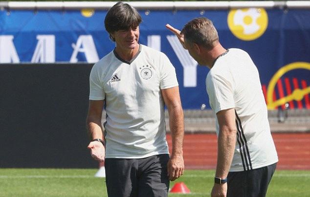 HLV Joachim Low hiểu rõ hơn ai hết sự nguy hiểm của đội tuyển Ý, sau thất bại của Đức tại bán kết Euro 2012