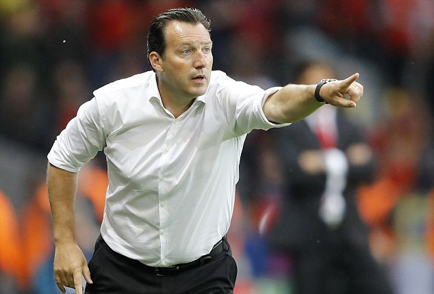 HLV Marc Wilmots bị quy trách nhiệm sau trận thua tệ hại của Bỉ trước Xứ Wales