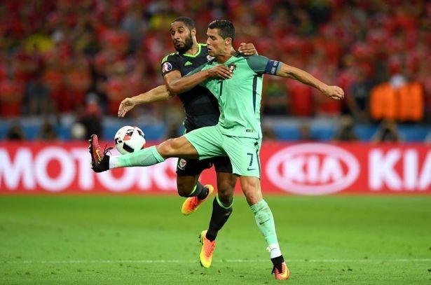 Nhưng dù đá hay hoặc dở, nhiều ngôi sao, trong đó có Ronaldo vẫn cứ lên giá vùn vụt