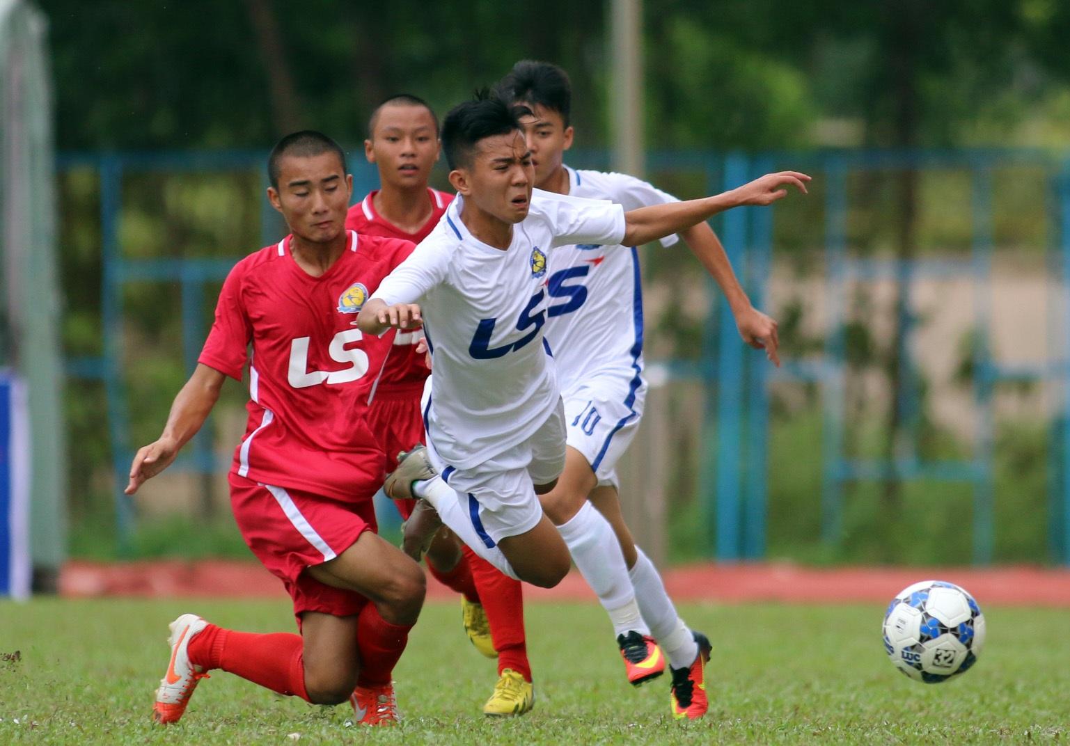 SL Nghệ An và Viettel bất phân thắng bại