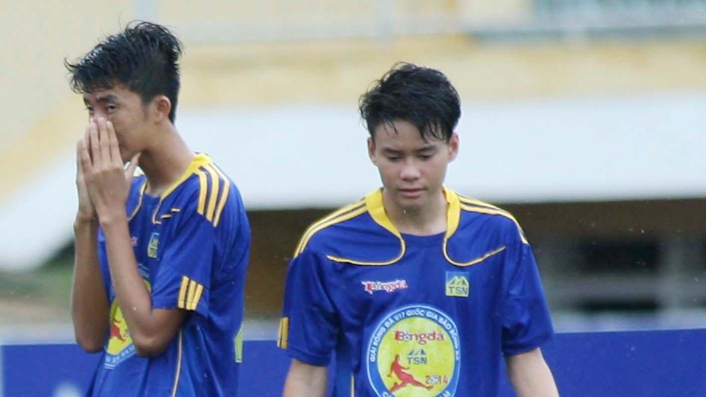 Sử dụng cầu thủ không đúng quy định, đội bóng đá nam THPT Bình Dương bị loại khỏi HKPĐ toản quốc (ảnh: Anh Hải)