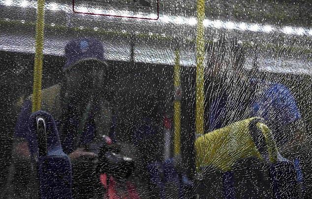 Chiếc xe buýt bị tấn công khi đang trên đường từ công viên Olympic về trung tâm báo chí