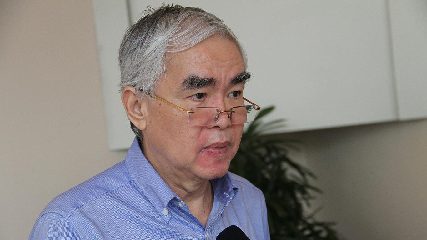 Chủ tịch VFF Lê Hùng Dũng không ủng hộ chuyện một ông chủ sở hữu nhiều đội bóng (ảnh: Trọng Vũ)