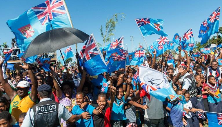 Cả nước Fiji ra đường đón đội tuyển Rugby giành HCV Olympic 2016 trở về - 3