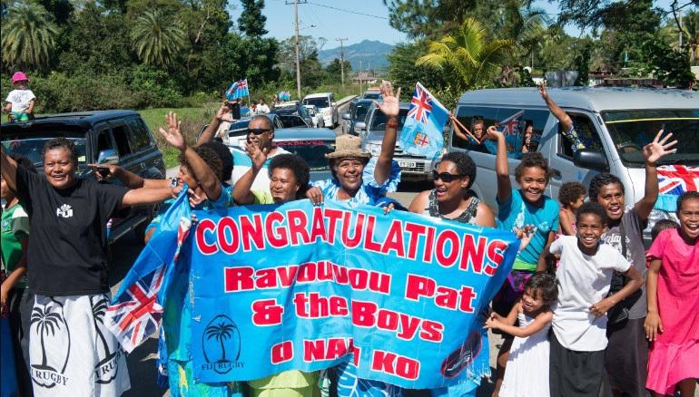 Người dân Fiji đổ ra đường đón những người hùng Olympic về nước