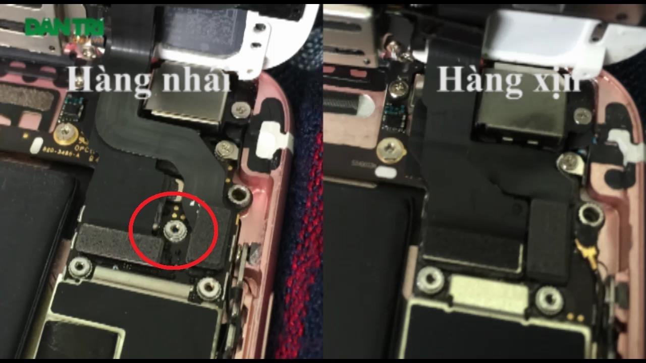Khu vực cổng kết nối của iPhone 6s xịn có 4 con ốc vít, trong khi hàng nhái có thêm con ốc thứ 5 (được khoanh đỏ).
