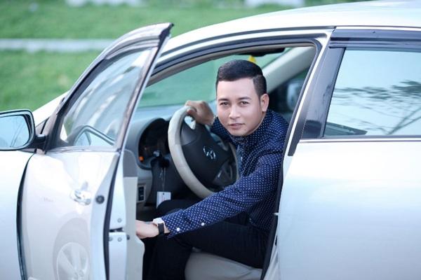 Linh Nguyễn từng khoe đi hát đám cưới được nữ đại gia tặng xế hộp