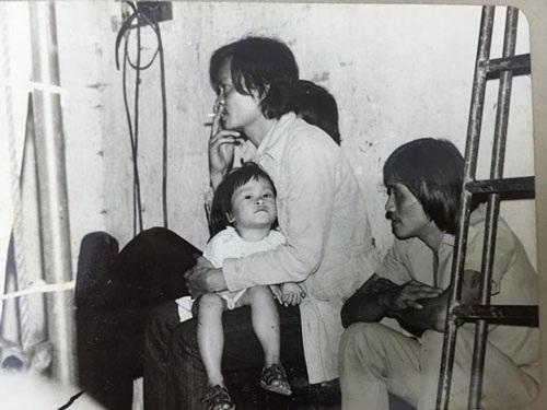 Nhạc sĩ Thanh Tùng và con gái út khi còn nhỏ, Bạch Dương