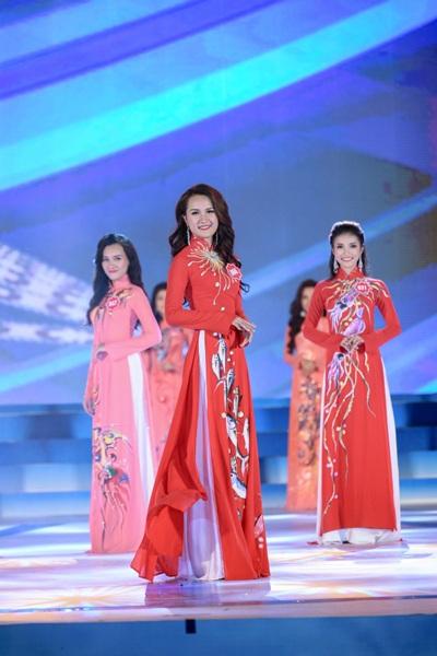 Người đẹp Hòa Bình đăng quang Hoa hậu Biển Việt Nam - 7