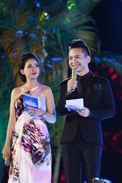 MC Hạnh Phúc và MC Mỹ Vân đảm nhận vai trò dẫn dắt đêm chung kết Hoa hậu Biển Việt Nam