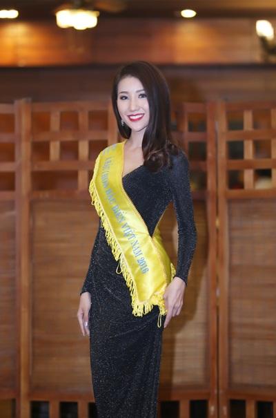 Á hậu Bảo Như tại buổi gặp mặt báo chí tối ngày 23/5 (Ảnh: Nguyễn Dũng)