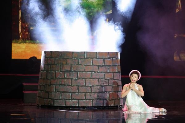 Đảm nhận vai cô Tấm là hot girl- Quán quân Sao mai dòng nhạc dân gian Thu Hằng.