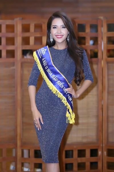Người đẹp gốc Nha Trang được đánh giá là thân thiện, khéo léo, khả năng ngoại ngữ khá tốt
