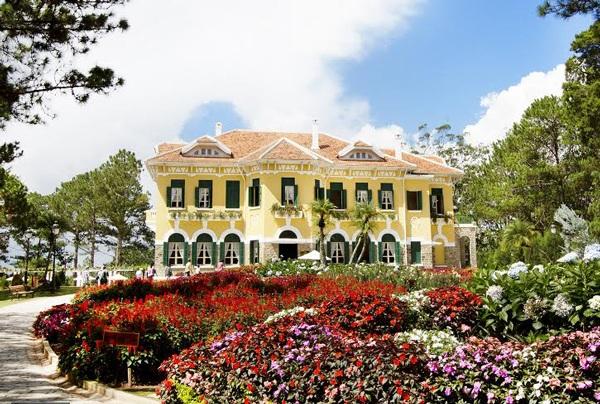 Hình ảnh Dinh 1- một trong 3 Dinh Bảo Đại đẹp nhất Việt Nam còn sót lại