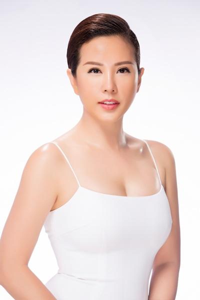 Vừa tất bật với hàng loạt dự án kinh doanh, từ thiện, hoa hậu Thu Hoài lại đón nhận nhiều tin không vui khi bị kẻ xấu tung tin thất thiệt khiến công việc của cô chịu nhiều tai tiếng.