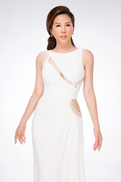 Hoa hậu Thu Hoài đẹp quý phái với đầm hở vai - 8