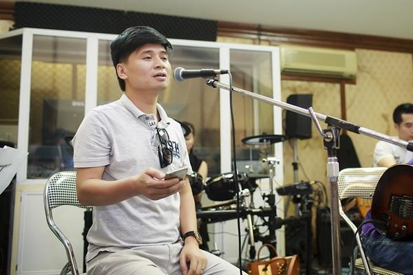 Ngọc Anh tập luyện cùng các ca sĩ đồng nghiệp trước liveshow tối nay, ngày 12/6.