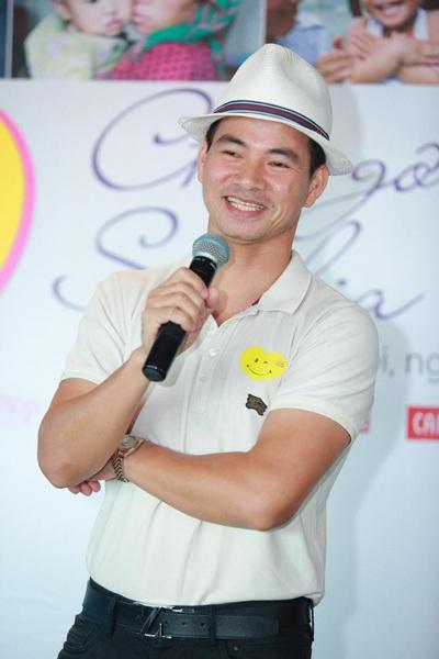 Nghệ sĩ Xuân Bắc tại buổi ra mắt chiến dịch Nụ cười từ Trái tim mới đây tại Hà Nội.