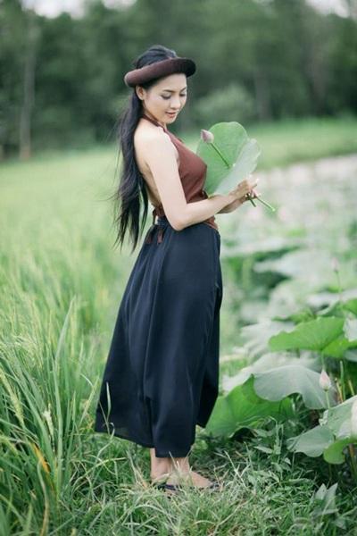 Người đẹp là chủ nhân nhiều bộ ảnh gây tranh cãi.