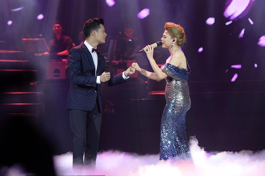"""Thanh Thảo nghẹn lời ôm """"tình cũ"""" Quang Dũng trên sân khấu - 11"""