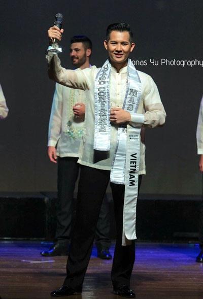 Nguyễn Hải Quân đoạt danh hiệu Nam vương Quốc tế 2016 tại Philippines.