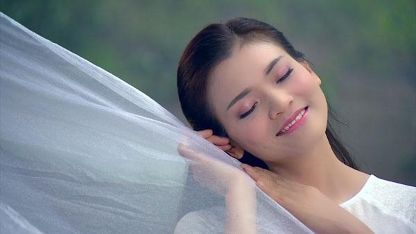 Phạm Phương Thảo cho rằng, cô được các chị phù hộ trong suốt quá trình quay MV.