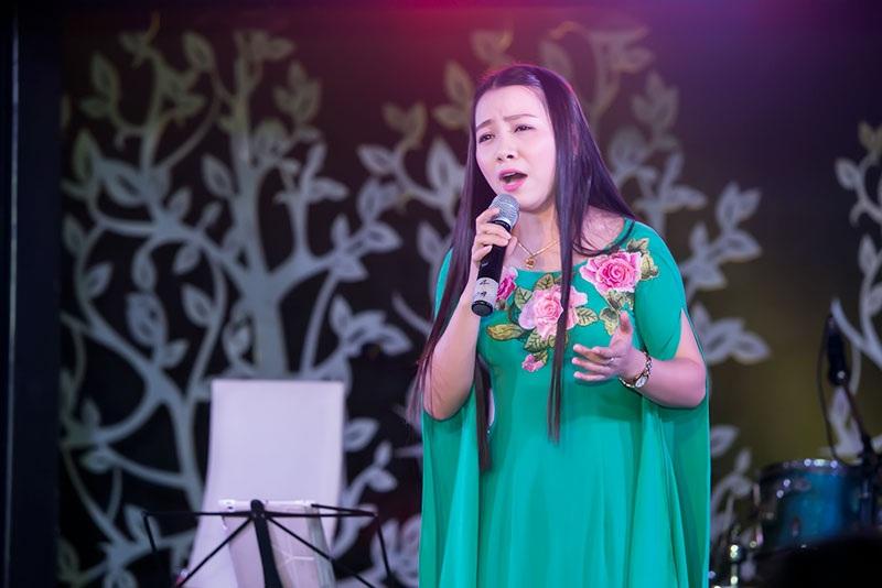 Hải Yến tham dự chương trình của Mai Trần Lâm.
