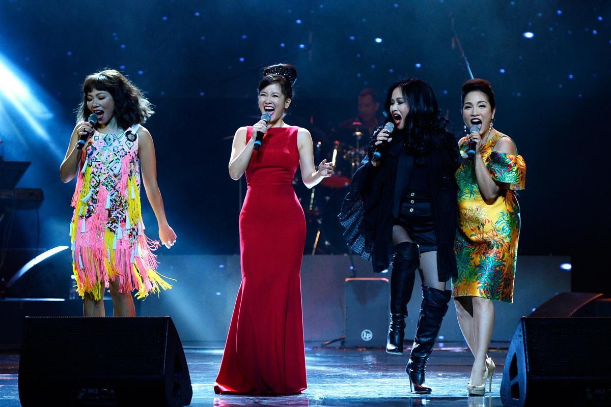 Khoảnh khắc ấn tượng của 4 Diva nhạc Việt trên sân khấu - 15