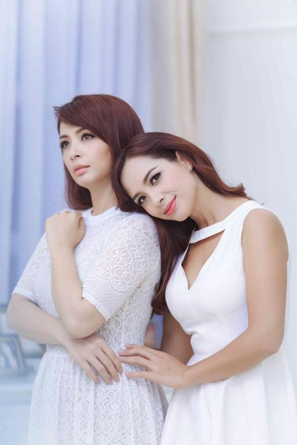 Thúy Hằng- Thúy Hạnh là cặp song sinh hiếm hoi của showbiz Việt.