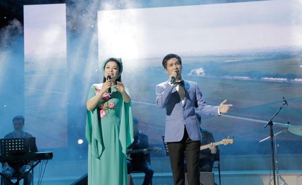 Vợ chồng ca sĩ Tân Nhàn- Tuấn Anh
