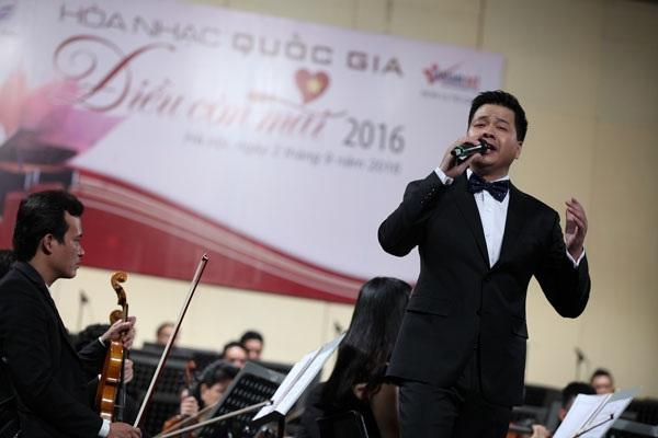 Ca sĩ Đăng Dương.