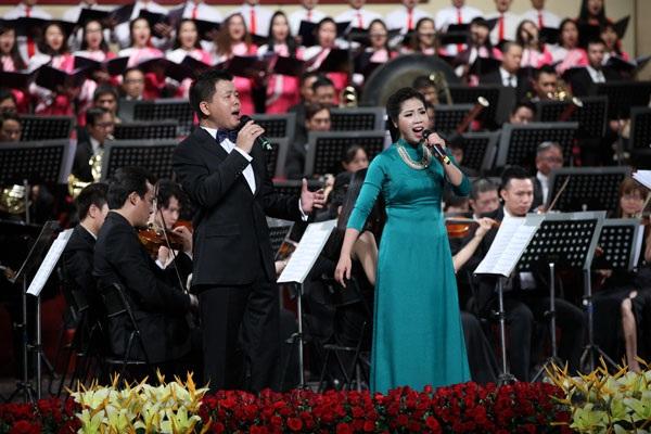 Ca sĩ Đăng Dương và Hồng Vy.