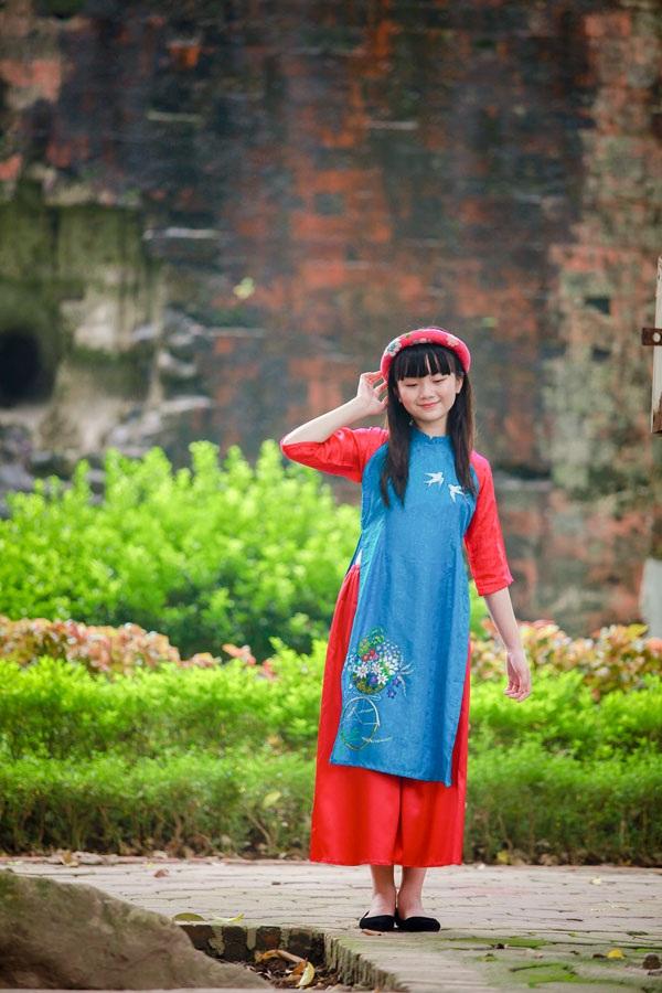 Bé Kim Anh The Voice Kids diện áo dài vui Trung thu - 4