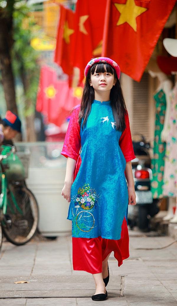 Bé Kim Anh The Voice Kids diện áo dài vui Trung thu - 5
