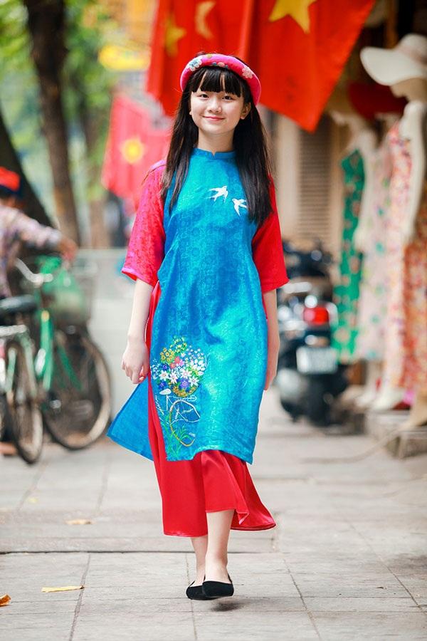 Bé Kim Anh The Voice Kids diện áo dài vui Trung thu - 6