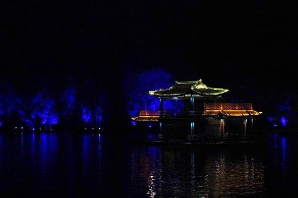 """""""Choáng"""" với show diễn trên mặt nước của 500 diễn viên - 11"""