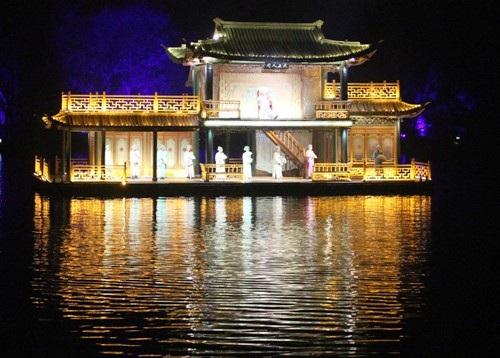 """""""Choáng"""" với show diễn trên mặt nước của 500 diễn viên - 2"""