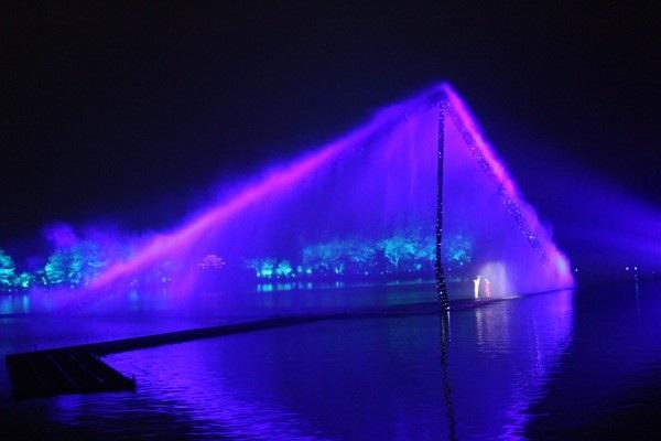 """""""Choáng"""" với show diễn trên mặt nước của 500 diễn viên - 8"""