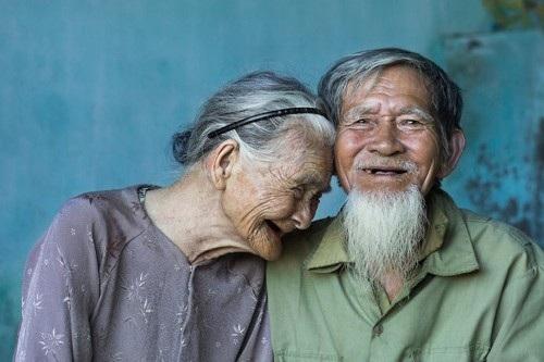 Đôi vợ chồng già ở Hội An.