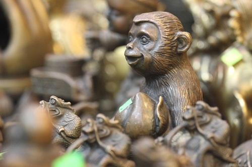 Khỉ được coi là linh vật trong năm Bính Thân 2016. Bên cạnh đó, trong phong thủy, khỉ còn là loài vật đại diện cho sự nhanh nhạy, trí tuệ, thông minh và thăng tiến.