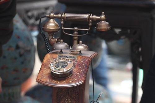 Và cả những chiếc điện thoại cổ...