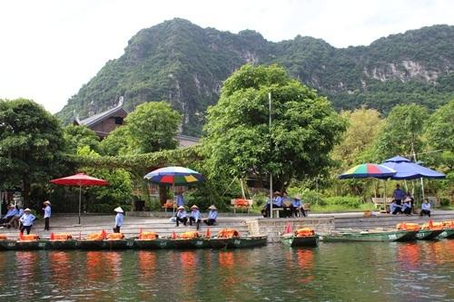 Vì sao Tràng An là nơi sao Hollywood dừng chân lâu nhất ở Việt Nam? - 1