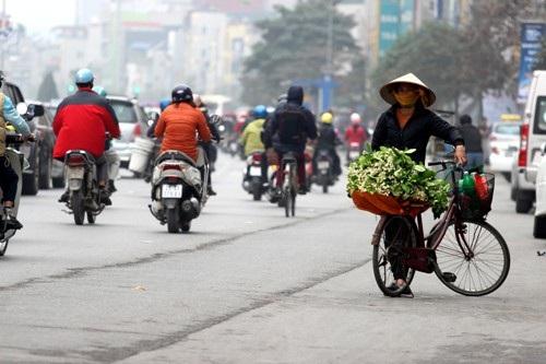 Trong các con phố ở Hà Nội thì phố Xã Đàn là nơi tập trung nhiều nhất những gánh hàng rong ấy.