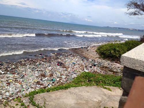 """Du lịch Bình Thuận lên tiếng về việc rác """"bao vây"""" Mũi Né - 2"""