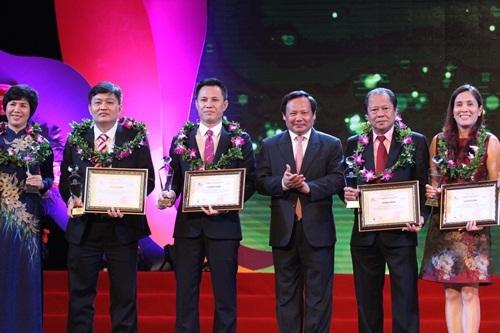 Tổng cục trường Nguyễn Văn Tuấn chúc mừng các doanh nghiệp lữ hành Việt Nam