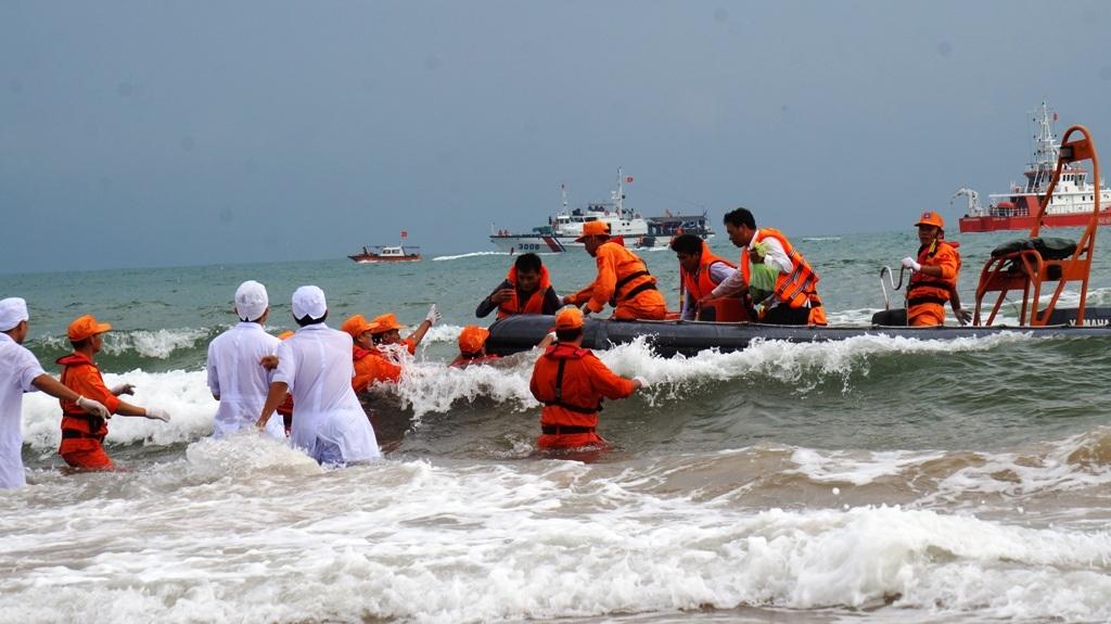 Diễn tập tìm kiếm cứu nạn hàng không lớn nhất từ trước tới nay - 11